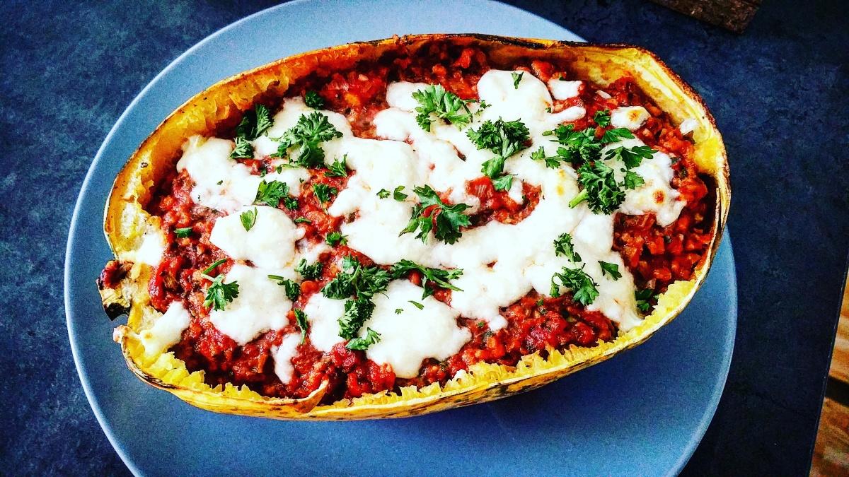 Spaghettikürbis mit Soja Bolognese